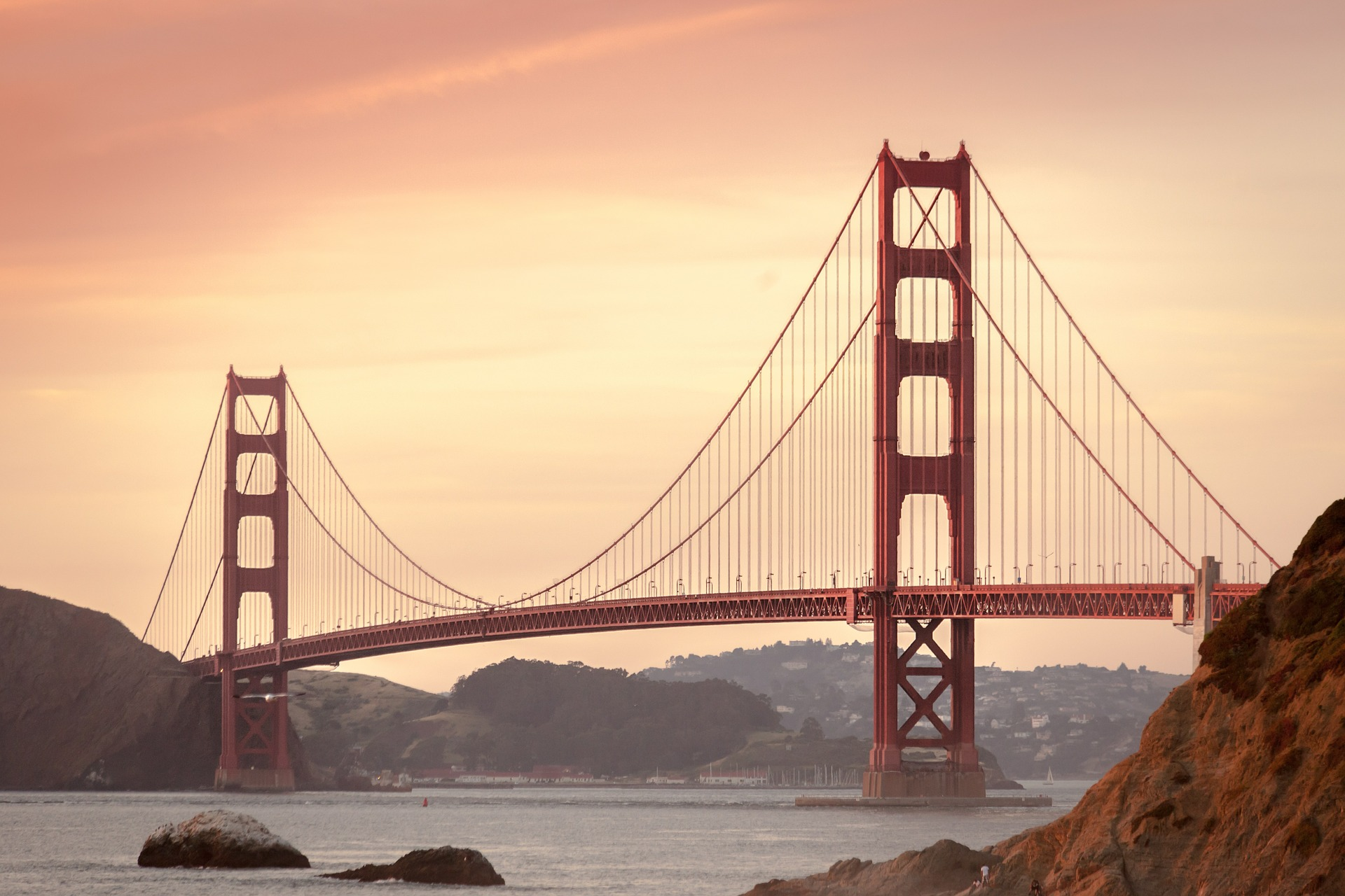 The world-famous Golden Gate Bridge can be found in California. Source: Pixabay